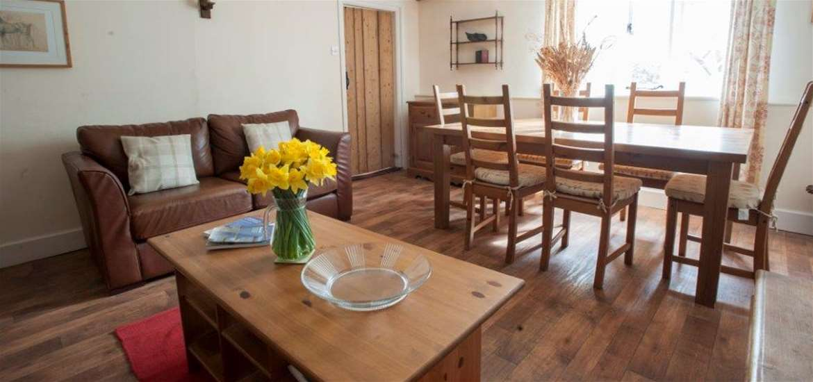 Easton Farm Park Cottages - Dining Room
