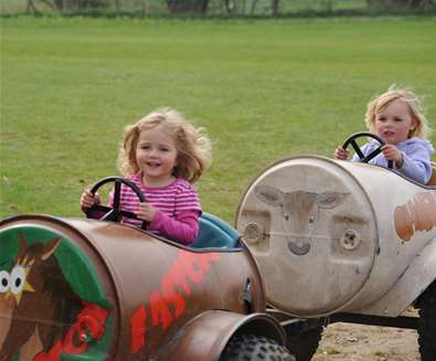 TTDA - Easton Farm Park - Barrell Rides