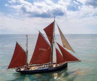 TTDA - Excelsior - Boat on water
