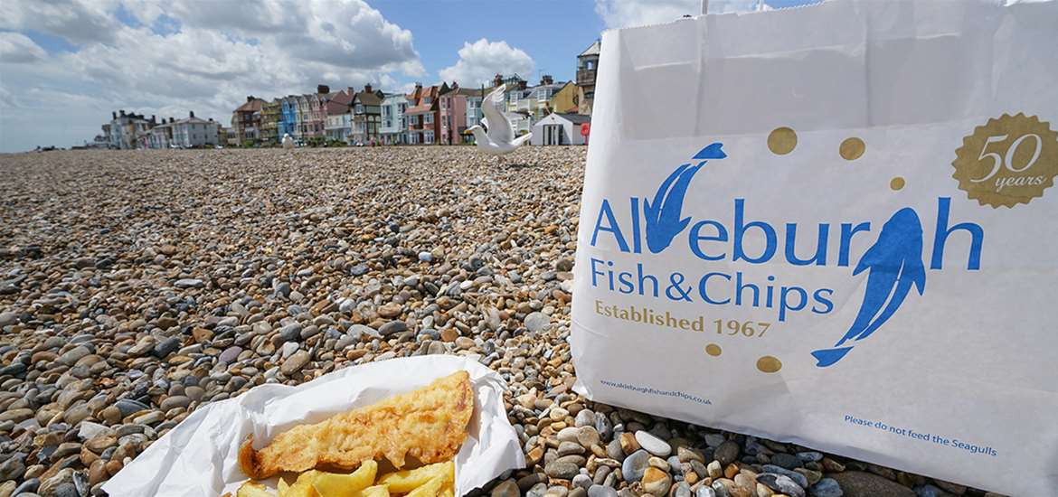 FD - Aldeburgh Fish and Chip Shop - Fish on Beach