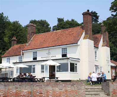 FD - The Ramsholt Arms - Exterior