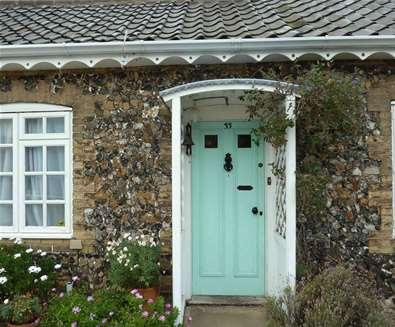 WTS - All Seasons Cottage Breaks - Flint Cottage