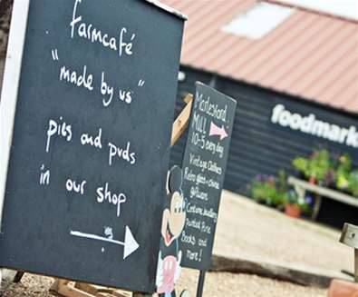 FD - Farm Cafe and Shop - Sign