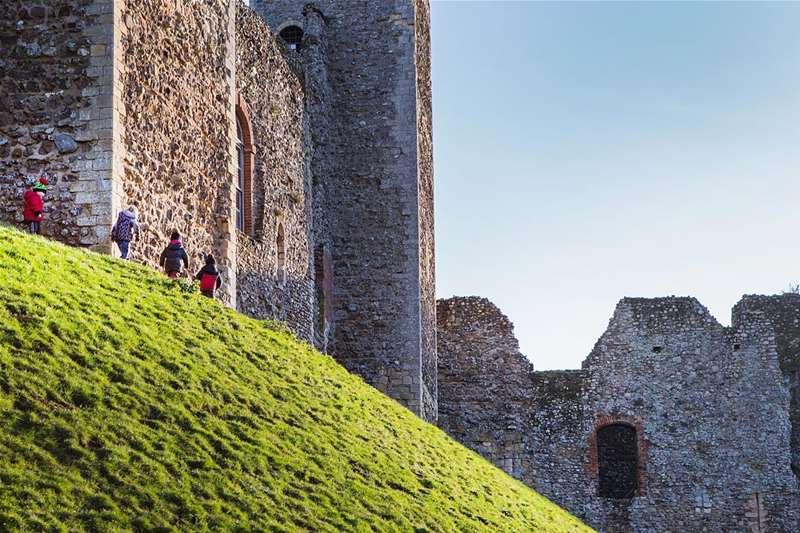 Towns & Villages - Framlingham - Children at castle