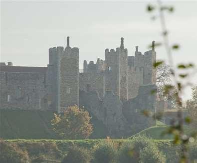 Framlingham - Castle in autumn
