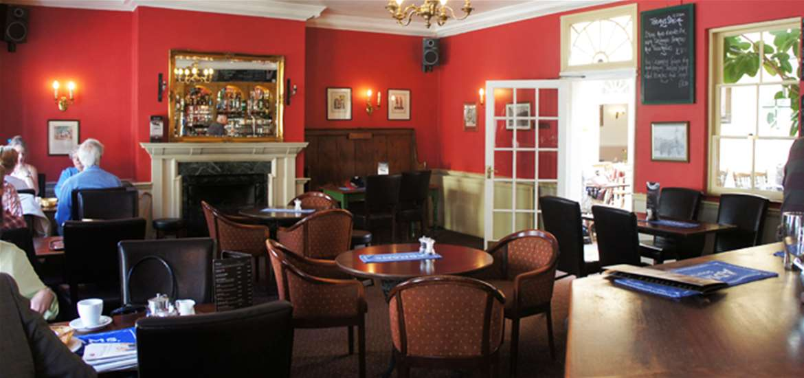Where to Stay - The Angel - Halesworth - Bar