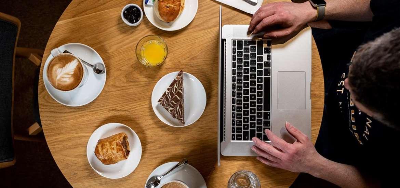 FD - Fynn Valley Cafe - working