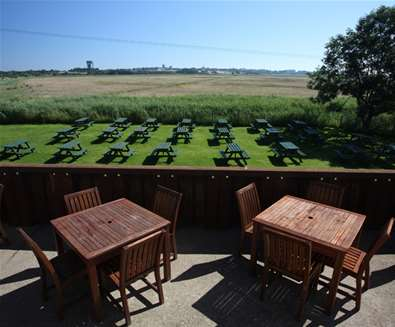 FD - The Harbour Inn - View of marshes