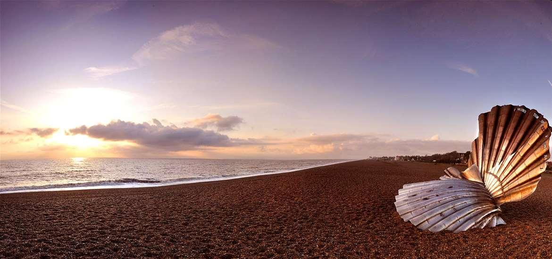 Win a winter seaside stay in Aldeburgh & see a festive show!