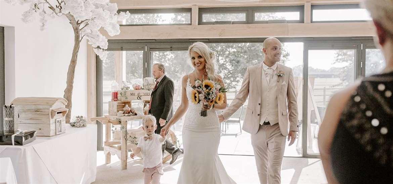 WED - Fynn Valley - wedding ceremony