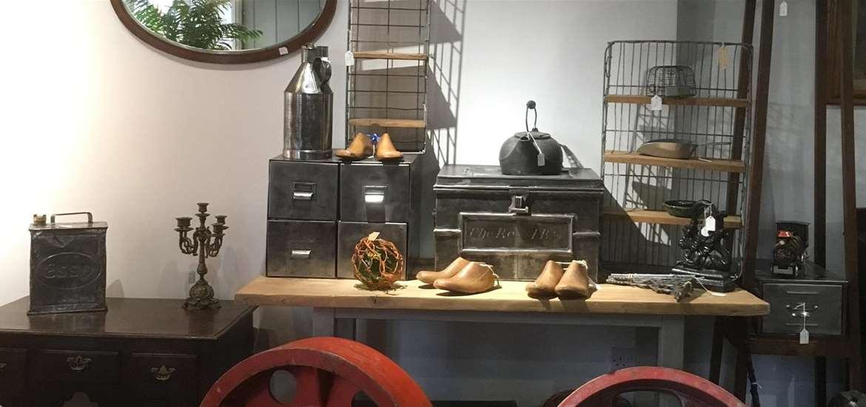TTDA - Blackdog Antiques - Inside shop