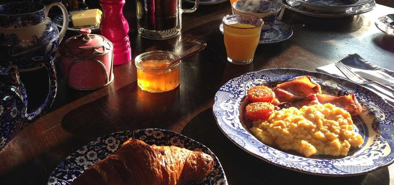WTS - Crown House B&B - Breakfast