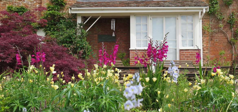 TTDA - The Red House - Garden