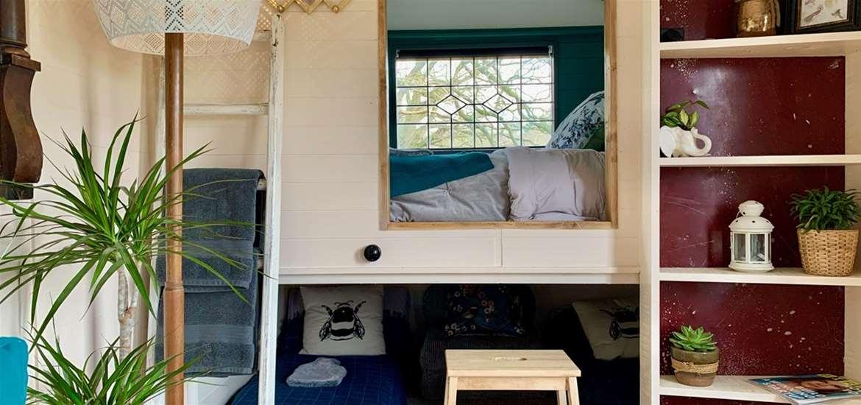 WTS - Wardley Hill - Tinkers Hut Interior