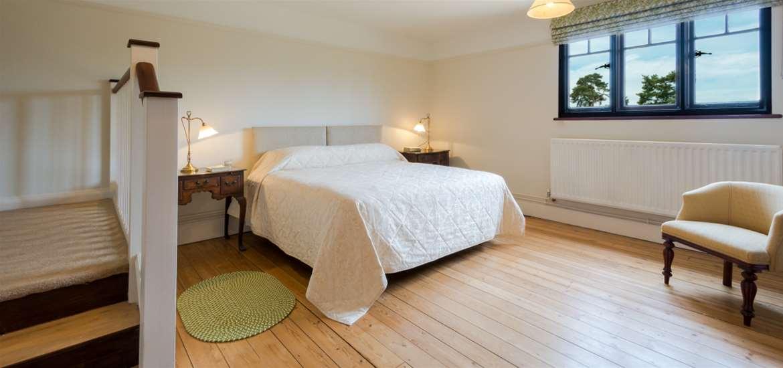 WTS - Kyson Apartment - Bedroom