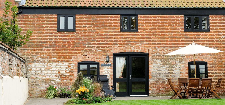 Lodge Farm Cottages Garden View