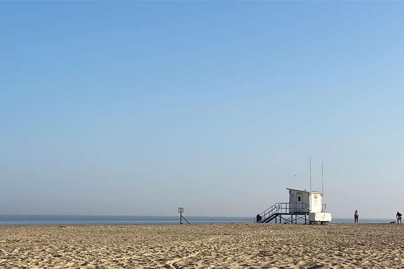 TTDA - Lowestoft beach - lifeguard hut