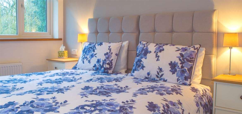 WTS - Blyth Loge - Floral bed