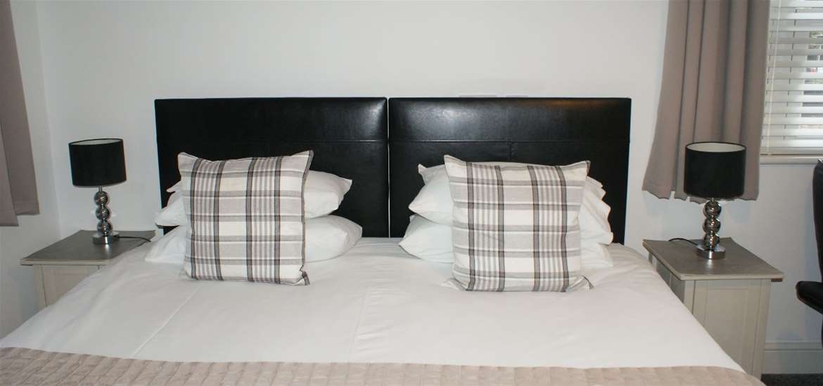 WTS - Tirah Bed & Breakfast - Bed