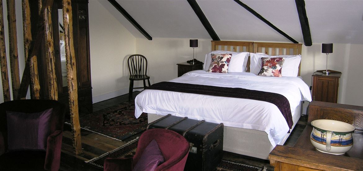 Oak Tree Farm Bedroom 1