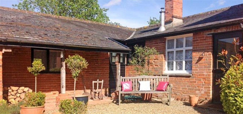 Holidaycottages.co.uk cottage exterior 2