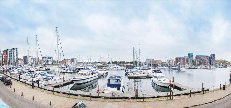 FD Isaacs on the Quay Ipswich