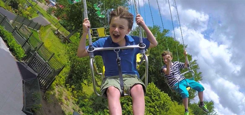 Pleasurewood Hills - Children on Ride
