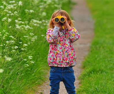 TTDA - RSPB Minsmere - Child with binoculars