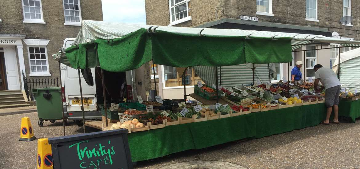 Saxmundham's Weekly Market - Photography by Dawn Ribnell