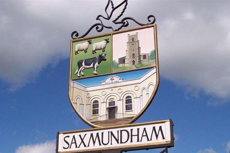 Towns & Villages - Saxmundham - sign