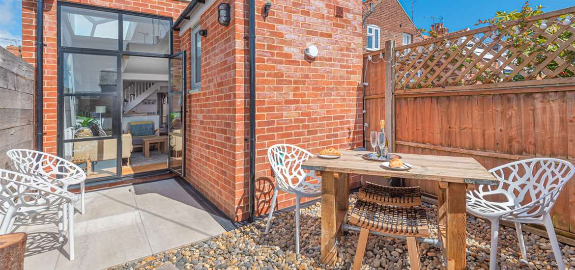 WTS Seagrass Cottage Southwold - Courtyard