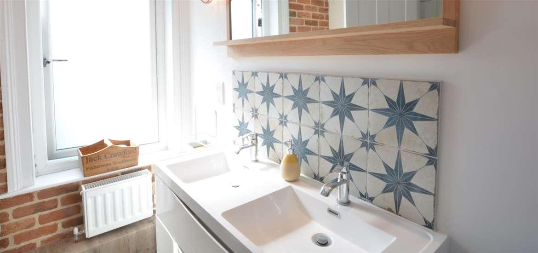 WTS Seagrass Cottage Bathroom Suffolk