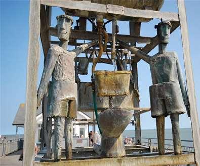 TTDA - Southwold Pier - Water clock