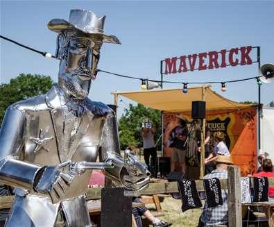 TTDE - Maverick Festival - Pop up stage