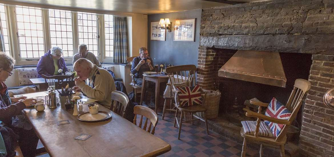 The Bell Inn Walberswick - Lounge