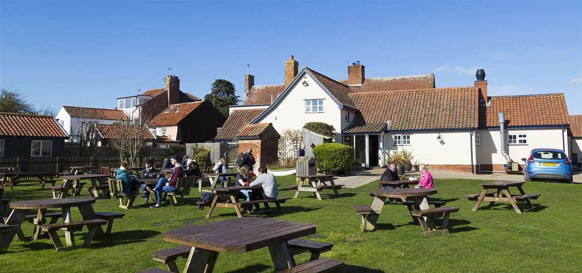 The Bell Inn Walberswick pub garden