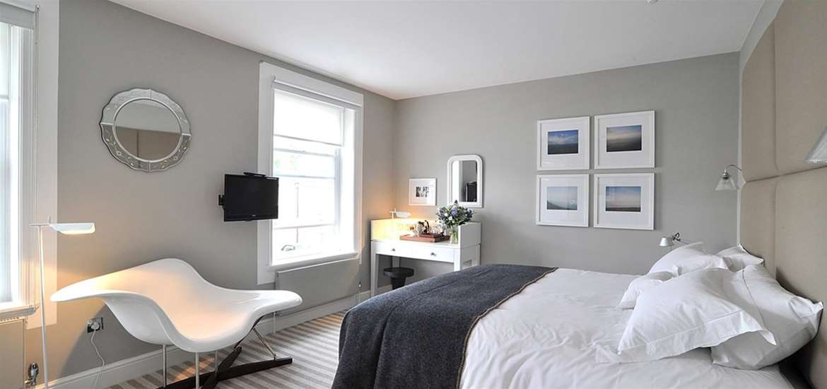 WTS - The Crown at Woodbridge - Double Bedroom
