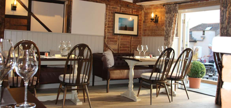 FD - The Alderton Swan - Restaurant