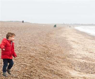 TTDA - Dunwich Beach - child on beach in autumn