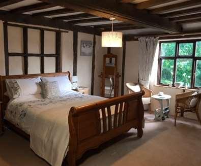 WTS - Vicarage Farmhouse B&B - Bedroom