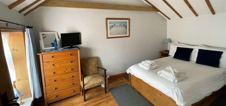 All Seasons Cottage Holidays bedroom