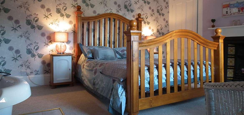 WTS - Chiltern House B&B - Bedroom 1