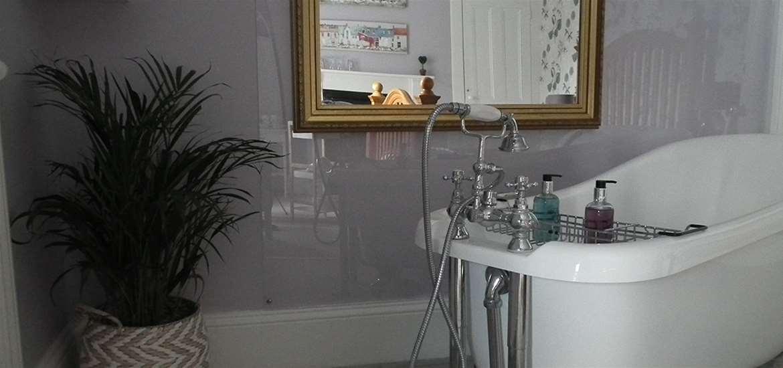 WTS - Chiltern House B&B - Slipper Bath