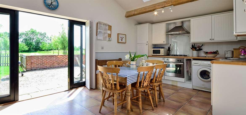 WTS - East Green Farm Cottages - Kitchen