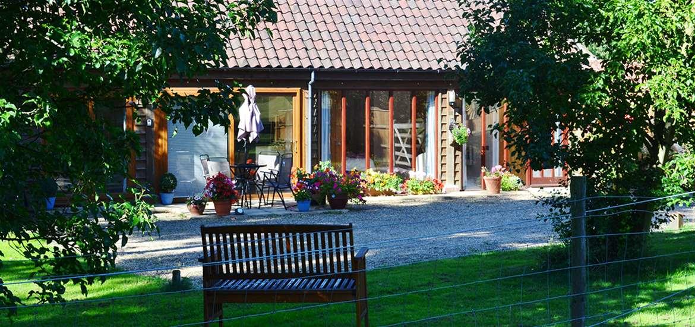 WTS - Hawkeswade Barn - Garden