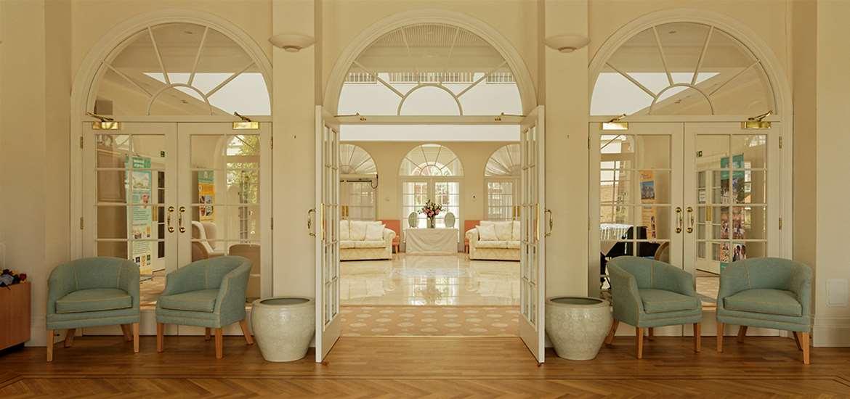 WTS - Mahirishi Peace Palace - Interior