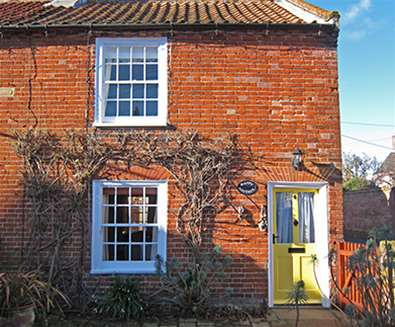 WTS - Solely Southwold - Happy Cottage