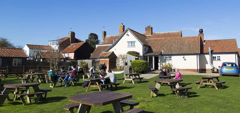 The Bell Inn Walberswick - Pub Garden
