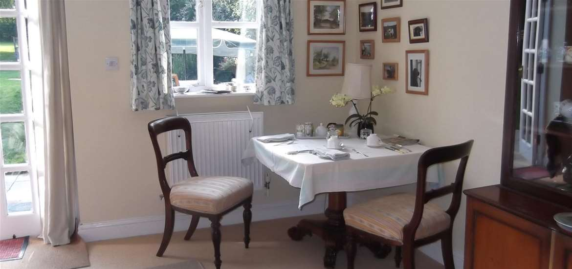 WTS - Willow Tree Cottage  - Dining Room