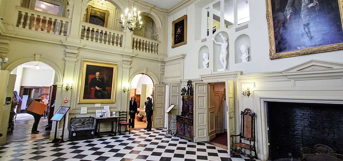 Weddings - Christchurch Mansion - Room with painting